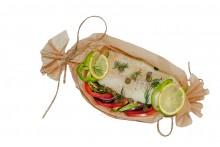 Треска с овощами запеченная в конверте